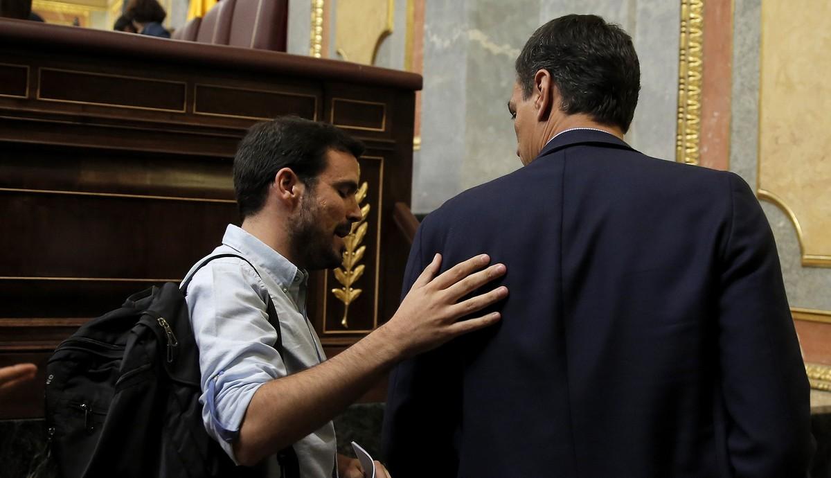 Alberto Garzón y Pedro Sánchez en el Congreso de los diputados.