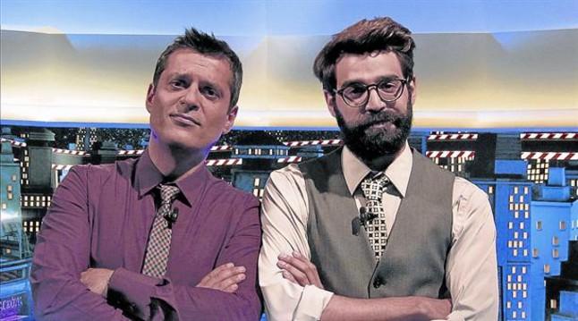 El periodista Joan Rufas, a la izquierda, y el actor David Verdaguer, los presentadores del nuevo 'Crackòvia'.