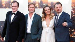 Quentin Tarantino, Brad Pitt, Margot Robbie y Leonardo DiCaprio, en la 'premiere' de 'Érase una vez... en Hollywood', en Los Ángeles.