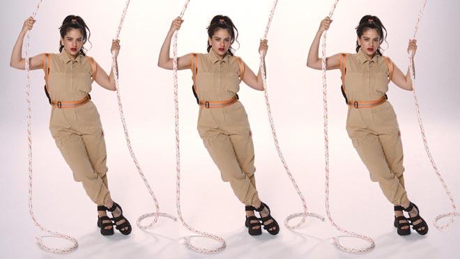 Rosalía estrena su segunda colección de ropa.