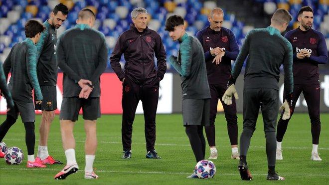El Barça se entrena, este lunes, en Nápoles.