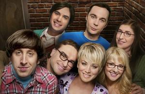 Los actores protagonistas de la serie The Big Bang Theory, en una imagen promocional de la producción.