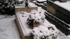 La tumba de Yves Montand y Simone Signoret, en el cementerio parisino de Père-Lachaise.
