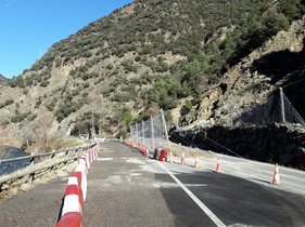 Twitter Damià Calvet en la C-13,entre Rialp y Llavorsí,donde ya se ha abierto la circulación.