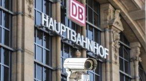 Desplegament policial a Frankfurt després del robatori en un banc