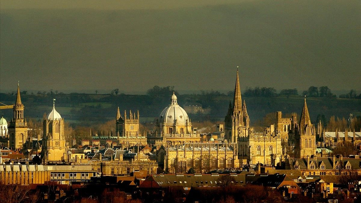 La Universidad de Oxford.