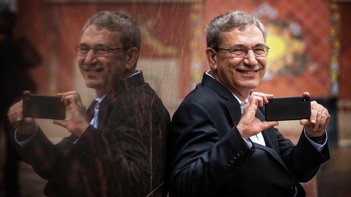 Orhan Pamuk davant el poder