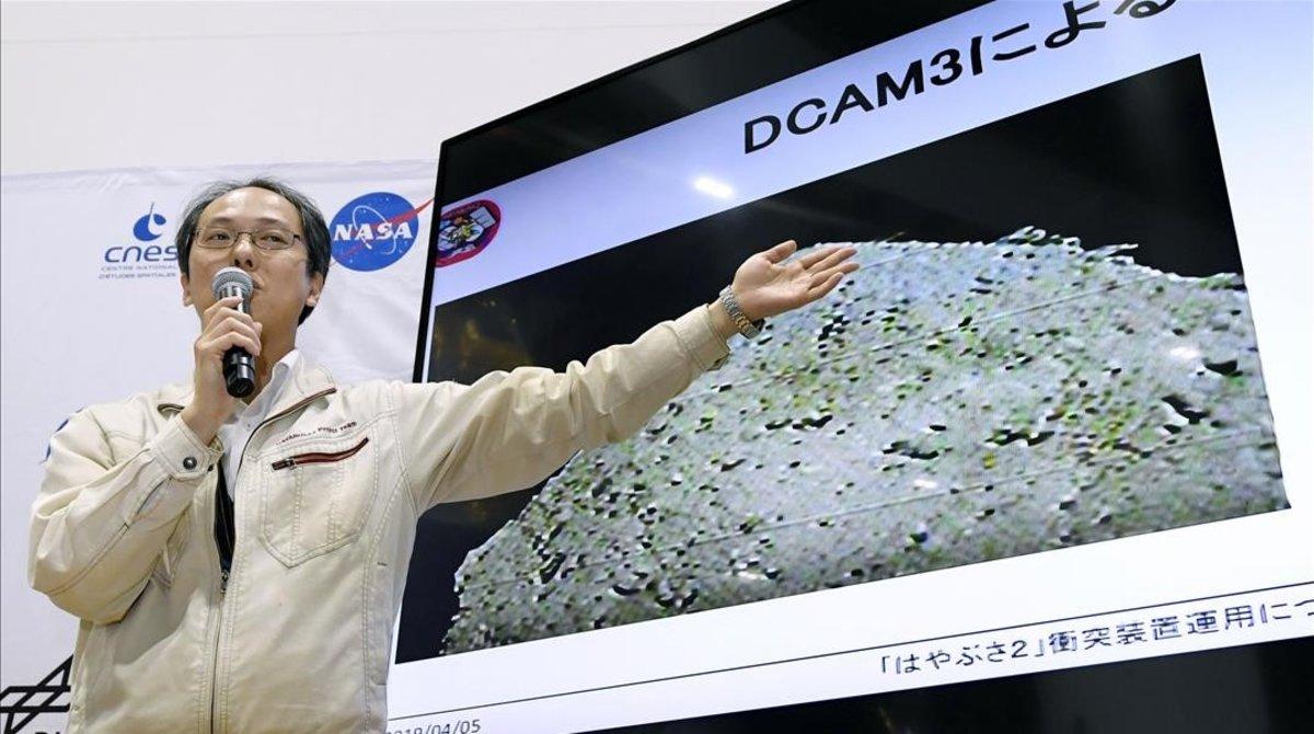 El Japó provoca una explosió en un asteroide per estudiar els seus minerals