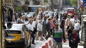 Caótico aspecto de la Via Laietana, la eterna asignatura pendiente.