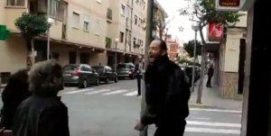 Simpatizantes de Vox y antifascistas se enzarzan en Tarragona.