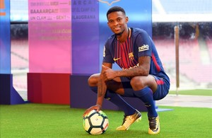 zentauroepp39303214 barcelona s new player portuguesse nelson semedo poses with 170714192416