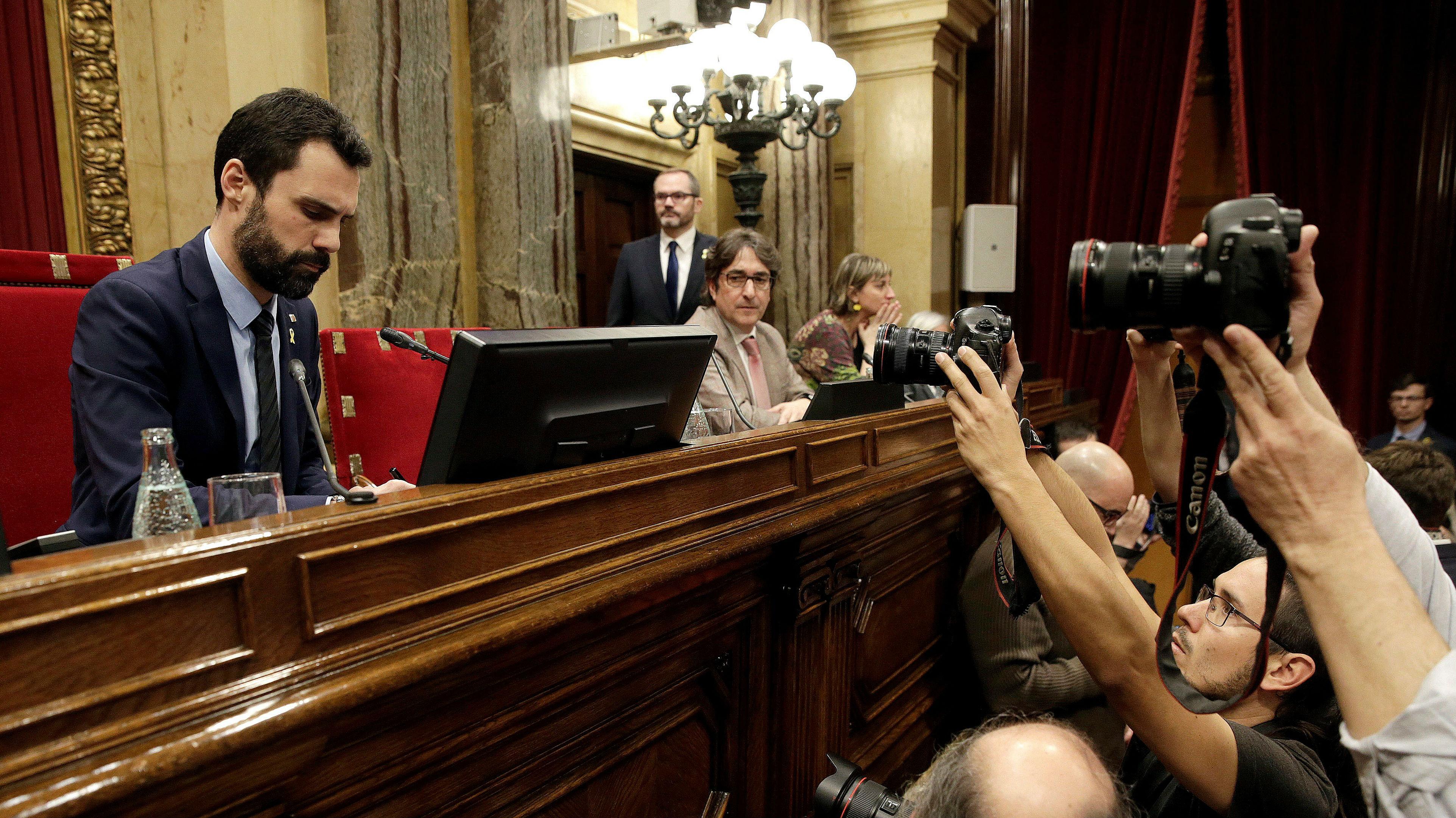 Últimas noticias de Catalunya: Segunda sesión del pleno de investidura tras los encarcelamientos de los exconsellers | Directo (ES)