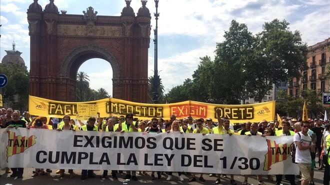 Protestas de los trabajadores en Arc de Triomf de Barcelona