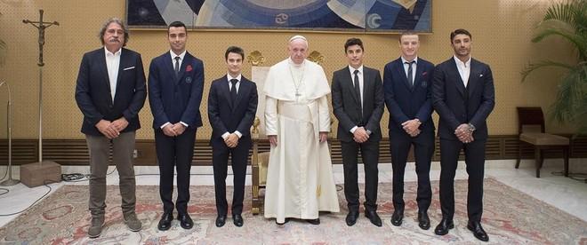 ¿Cuánto mide el Papa Francisco? - Altura - Pope Francis Real height 1536151538732