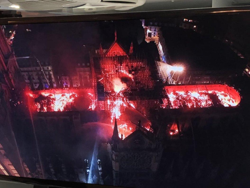 La (pèssima) idea de Trump per apagar el foc a Notre-Dame