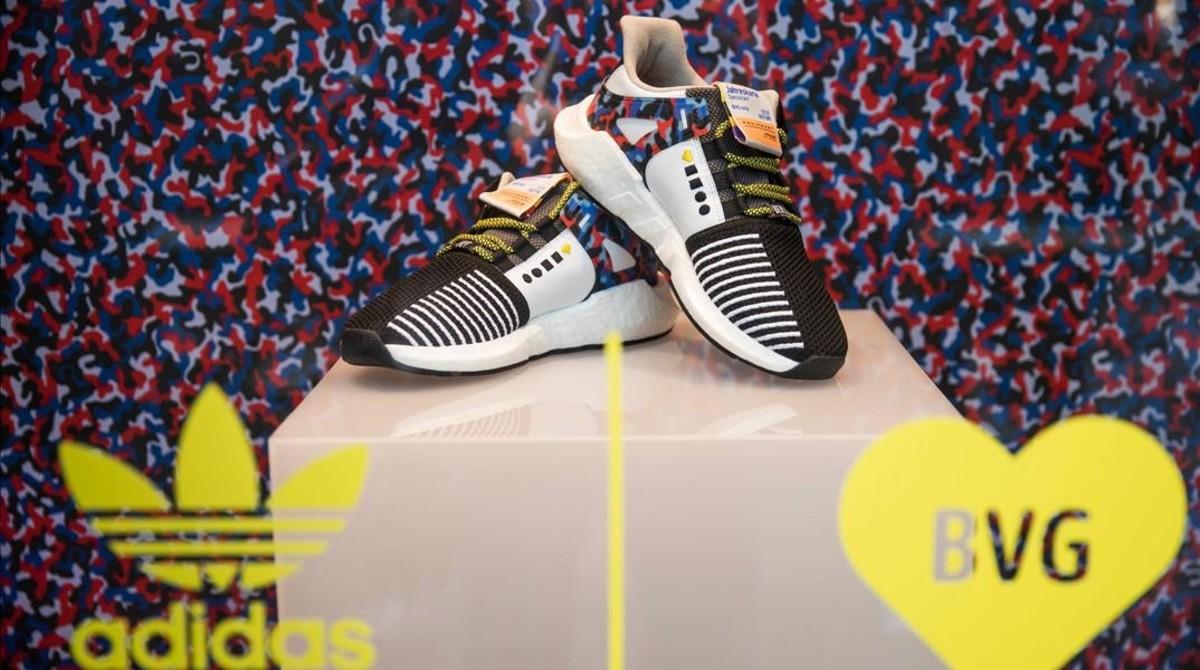 Adidas lanza unas zapatillas deportivas que permiten viajar sin billete por Berlín.