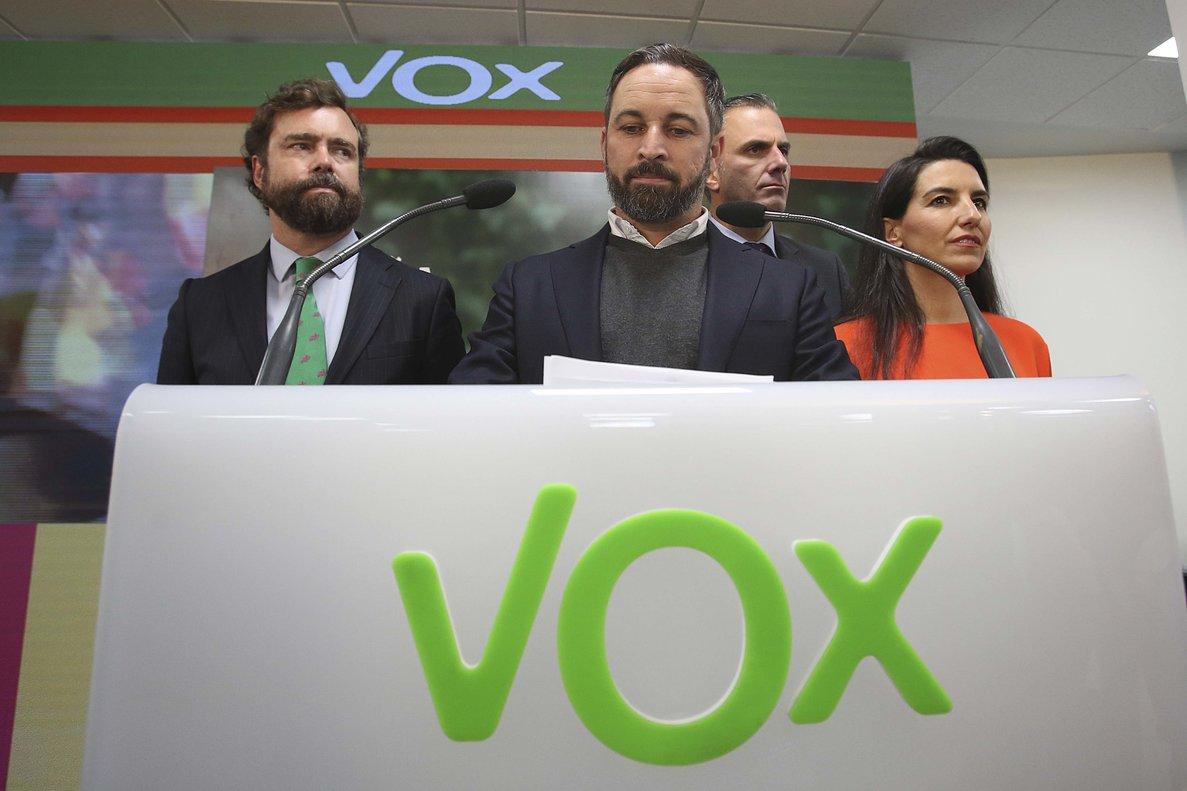 Abascal demana al PP «que deixi de dissimular» i pacti amb el PSOE
