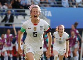 La estadounidense Megan Rapinoe celebra un gol durante la última Copa del Mundo.