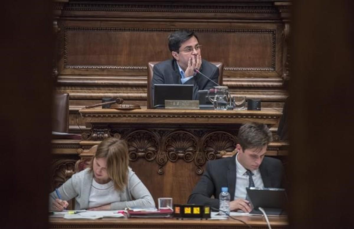 Gerardo Pisarello sustituye a Ada Colau como alcalde por su baja por maternidad.