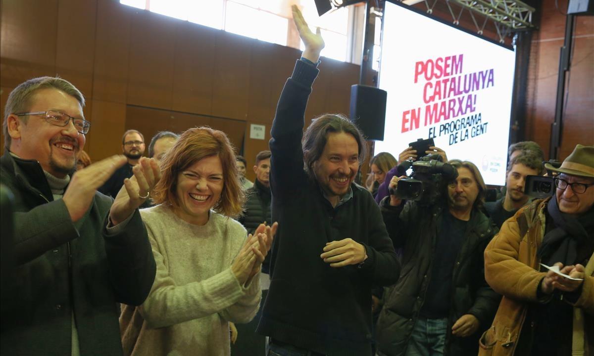 Xavier Domènech, Elisenda Alamany,Pablo Iglesias y Vicenç Navarro, en un actoen Sant Adrià del Besòs