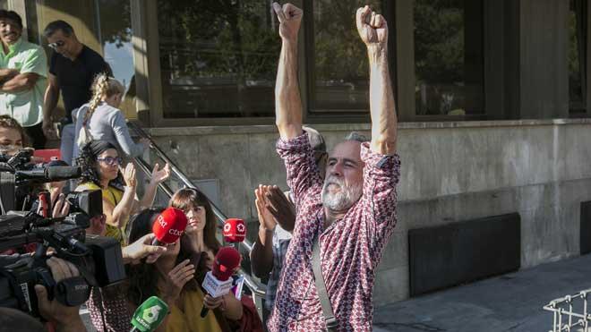 El actor Willy Toledo, en libertad provisional sin fianza.