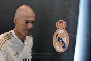 Zinedine Zidane, técnico del Madrid, tras la comparecencia de prensa previa al inicio de liga.