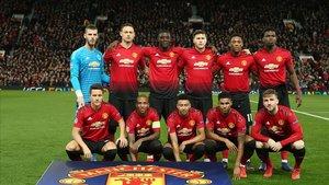 El Manchester, en la foto protocolaria antes del partido contra el PSG en la Champions.