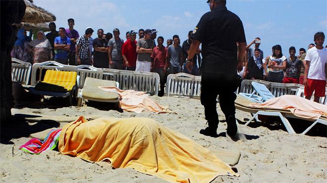 Imágenes de la playa de uno de los hoteles atacados, tras la acción terrorista de Susa.