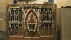 Frontal del siglo XIII de la iglesia de SanHilario de Buira (Huesca), una de las obras reclamadas.