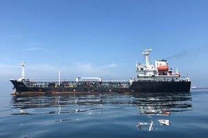 Millones de barriles de crudo venezolano navegan sin rumbo por sanciones de los EEUU. Reuters