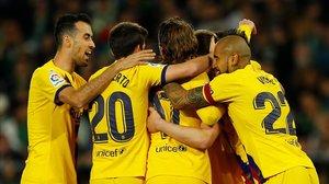 Celebración del gol de De Jong a pase de Messi.