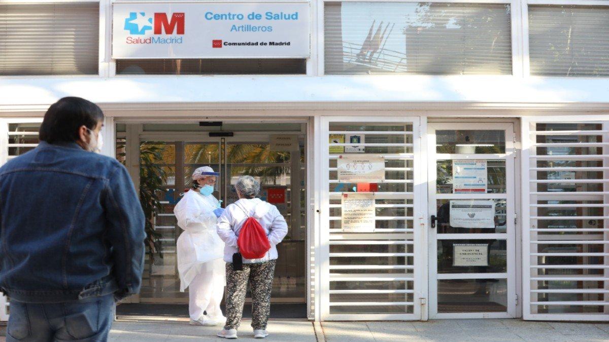 Exterior de un centro de atención primaria de Madrid.