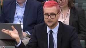 Christopher Wylie, exempleado de la empresa procesadora de datos Cambridge Analytica, que ha decidido cooperar con la investigación del Departamento de Justicia de EEUU sobre el Rusiagate.