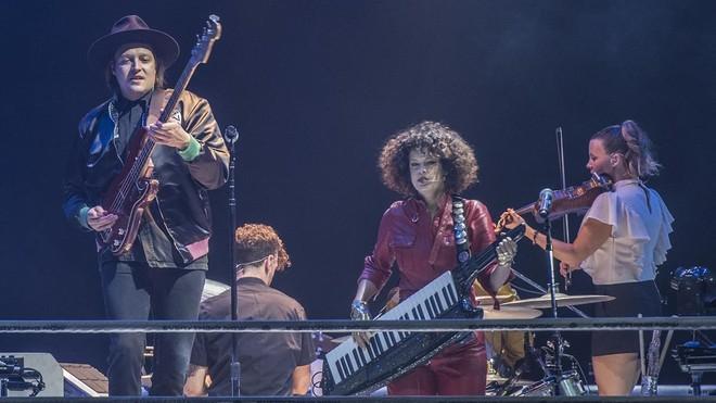 Concierto de Arcade Fireen el Palau Sant Jordi. Enla imagen,Win Butler y Regine Chassagne
