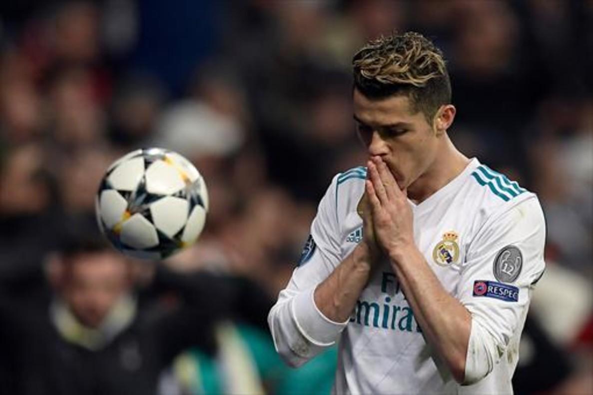 Cristiano Ronaldo lamentándose de una jugada.