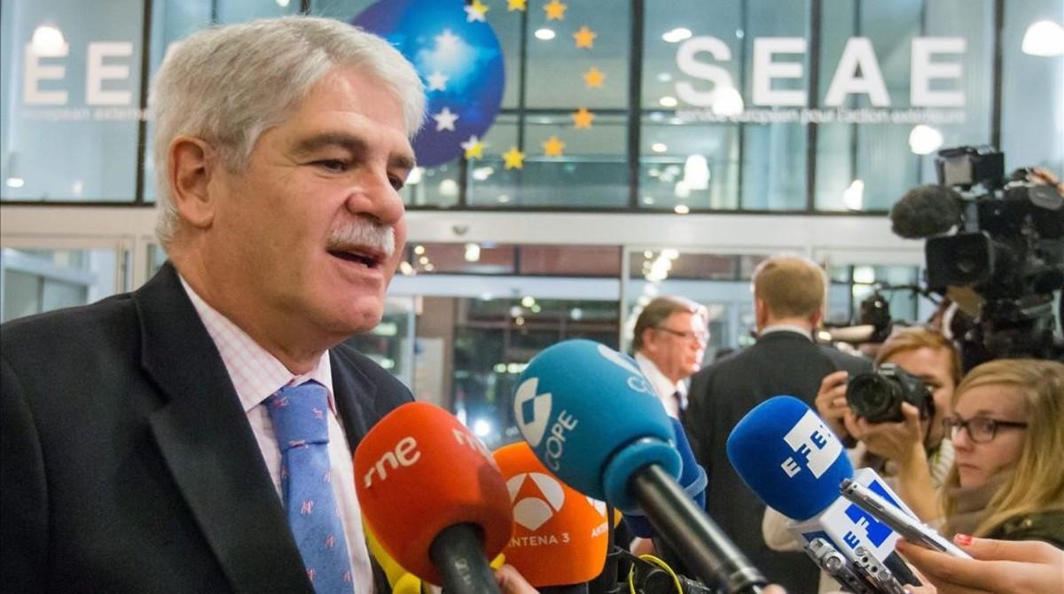 Dastis, tras el encuentro, en Bruselas.