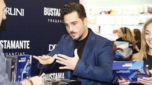 El cantante David Bustamante, el viernes, en Madrid, durantela firma de su perfume 'Bustamante'.