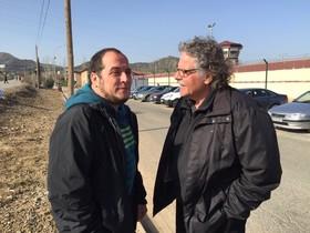 David Fernàndez y Joan Tardà, en las inmediaciones de la cárcel de Logroño, donde visitaron a Arnaldo Otegi.