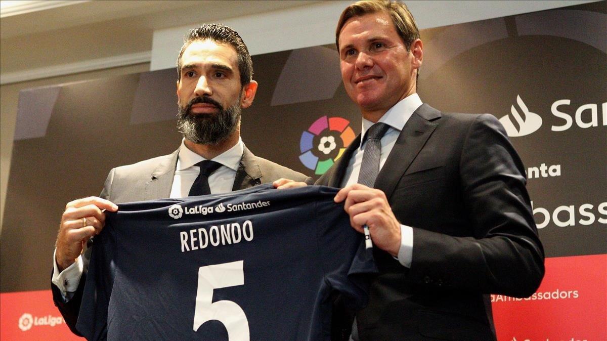 Sanz (izquierda) y Redondo, en su presentación en Buenos Aires.