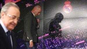 Florentino Pérez y Zidane, durante la presentación del técnico.
