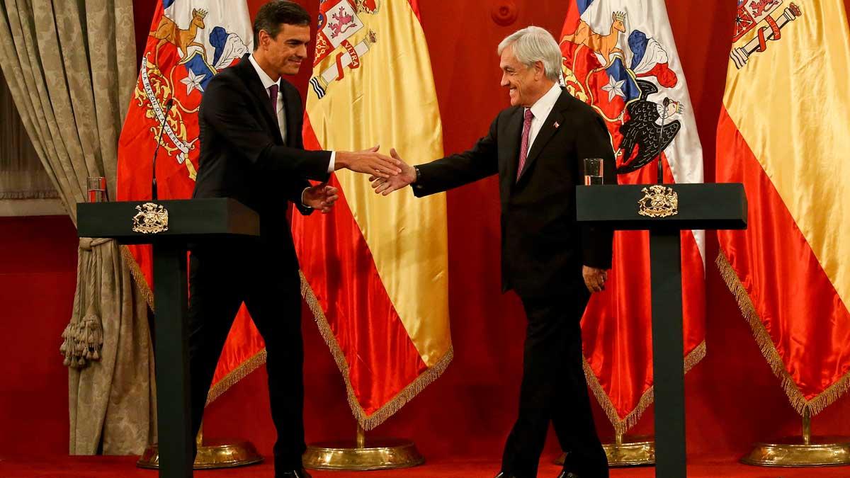 Pedro Sánchez con Sebastián Piñera.El Gobierno ha anunciado que celebrará dos Consejos de Ministros en Barcelona y Andalucía.