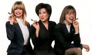 Goldie Hawn, Bette Midler y Diane Keaton protagonizaron, en 1996, El club de las primeras esposas.