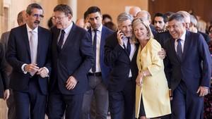 Grande-Marlaska, junto al presidente de la Generalitat Ximo Puig y la consellera Gabriela Bravo, en un acto en València este martes.