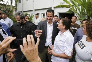 Juan Guaidó se reune con líderes laborales y empleados públicos.