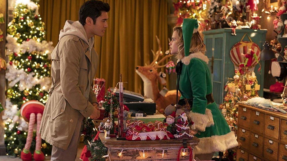Henry Golding y Emilia Clarke, en un fotograma de 'Last Christmas'