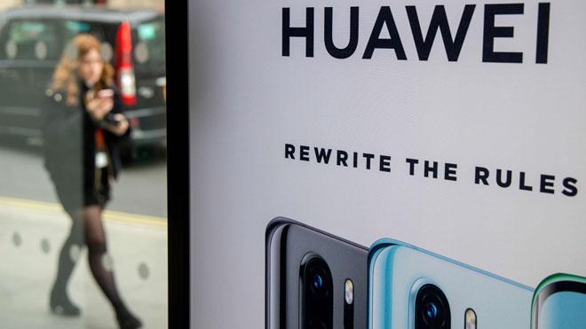 Huawei se sitúa por primera vez como el mayor vendedor de móviles del mundo. En la foto, publicidad de la marca en una calle de Londres.