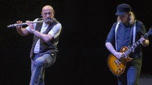 Ian Anderson, de Jethro Tull, en una actuación en el Festival Jardins de Pedralbes.