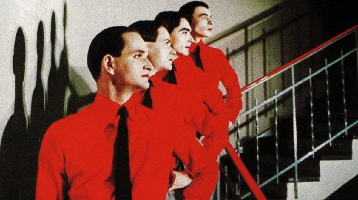 Imagen de 'The man machine' de Kraftwerk, con Florian Schneider en primer plano