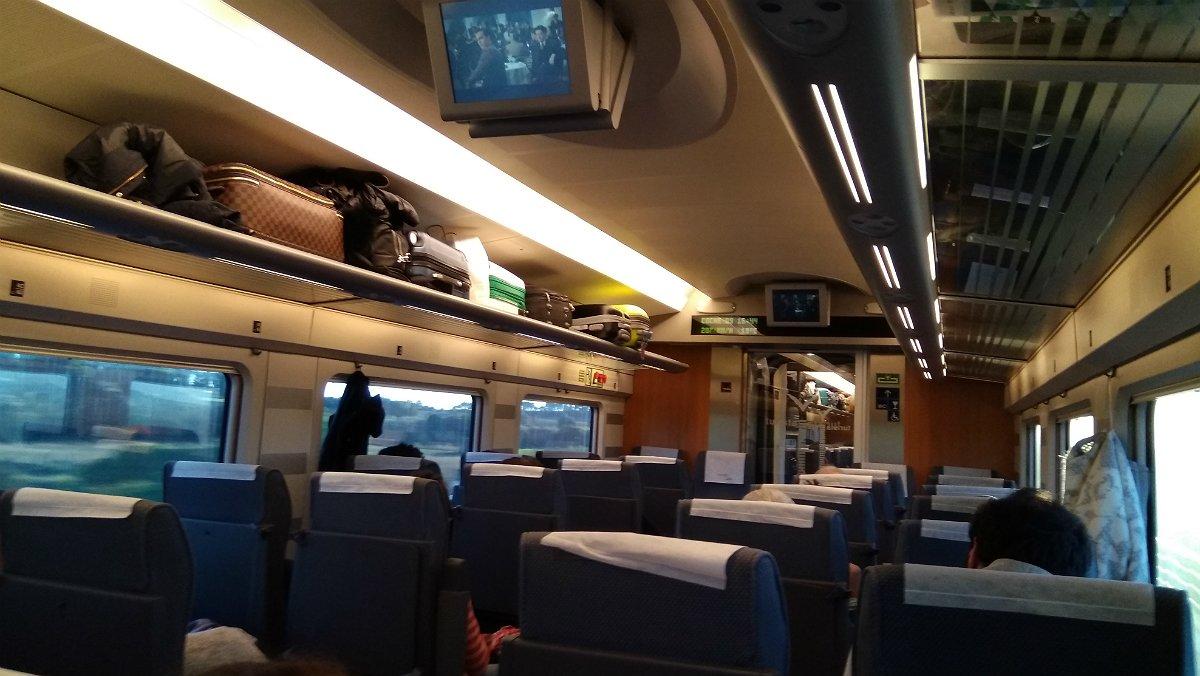 El interior de un tren AVE entre Barcelona y Madrid.