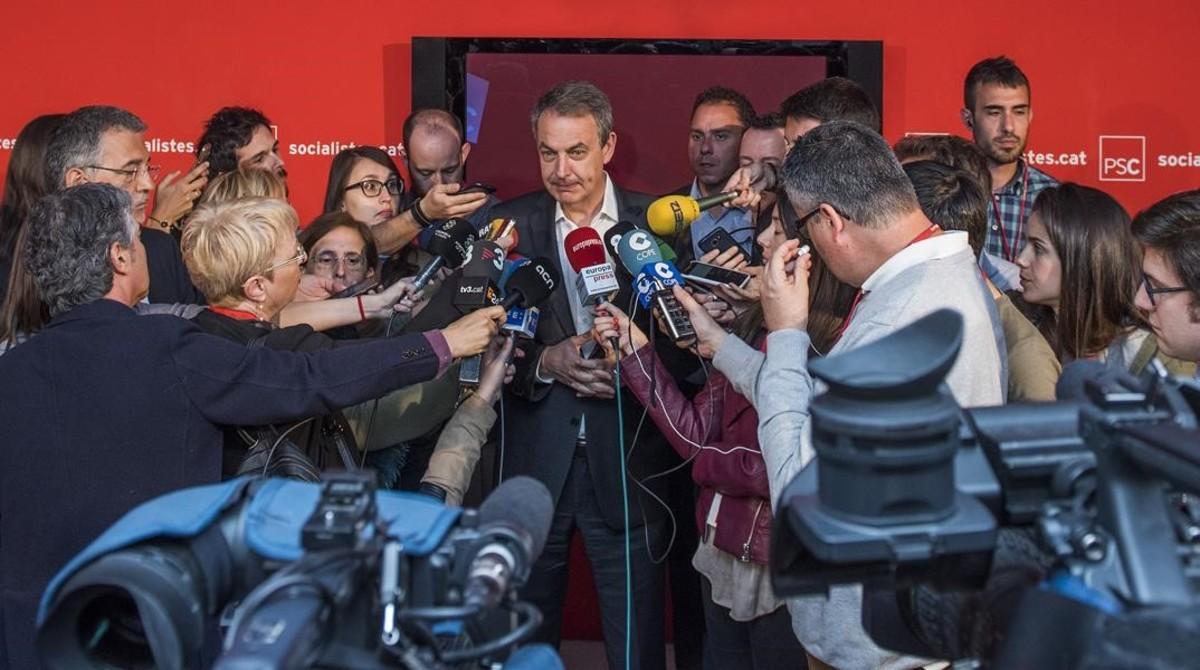 """Zapatero pide acabar con los """"prejuicios"""" contra Díaz en Catalunya por ser mujer y andaluza"""